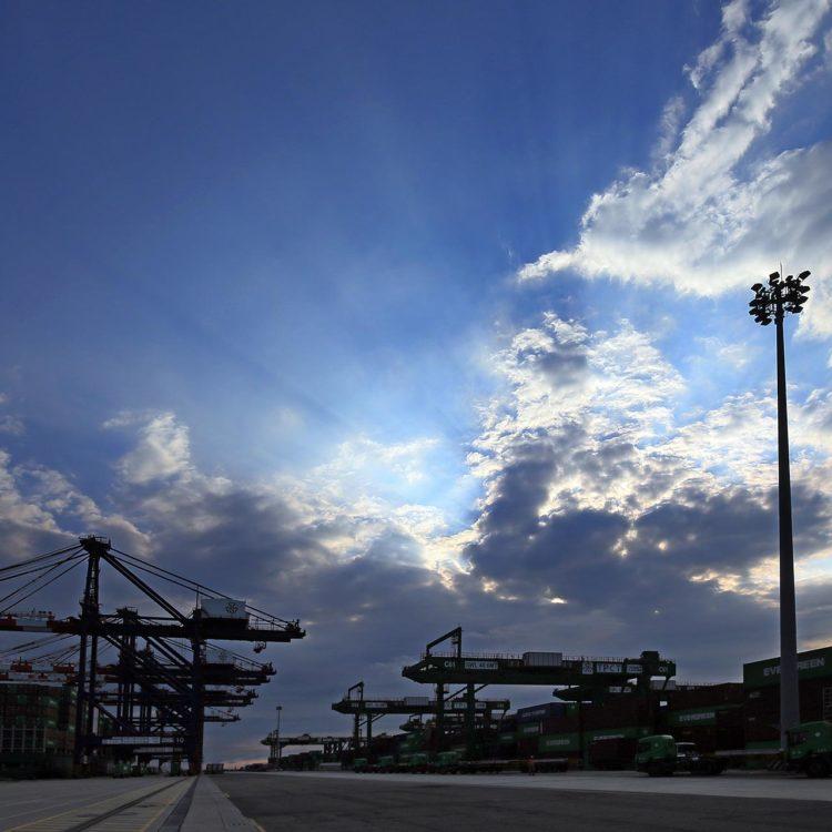 八里 台北港